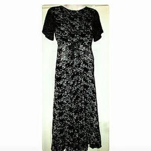 Divine Sarah Dresses - Black White Layered-Look Floral Dress Size Medium